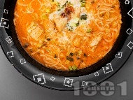 Пилешка тай супа с кокосова сметана, рибен сос и лют пипер